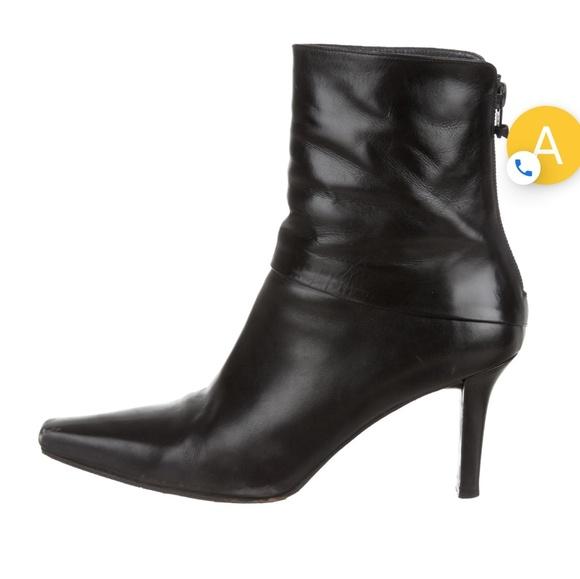 Stuart Weitzman Shoes - Stuart Weitzman leather booties